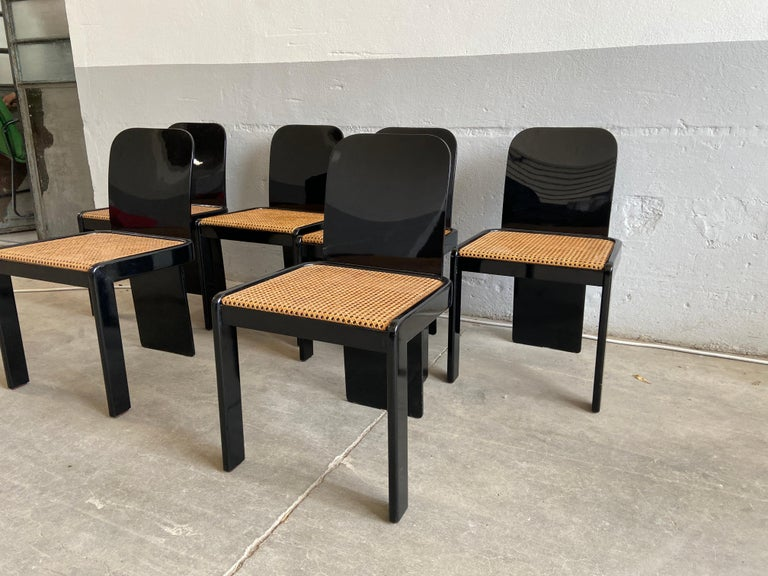 Late 20th Century Mid-Century Modern Italian Set of 6 Black Wooden Chairs by Pozzi, 1970s For Sale