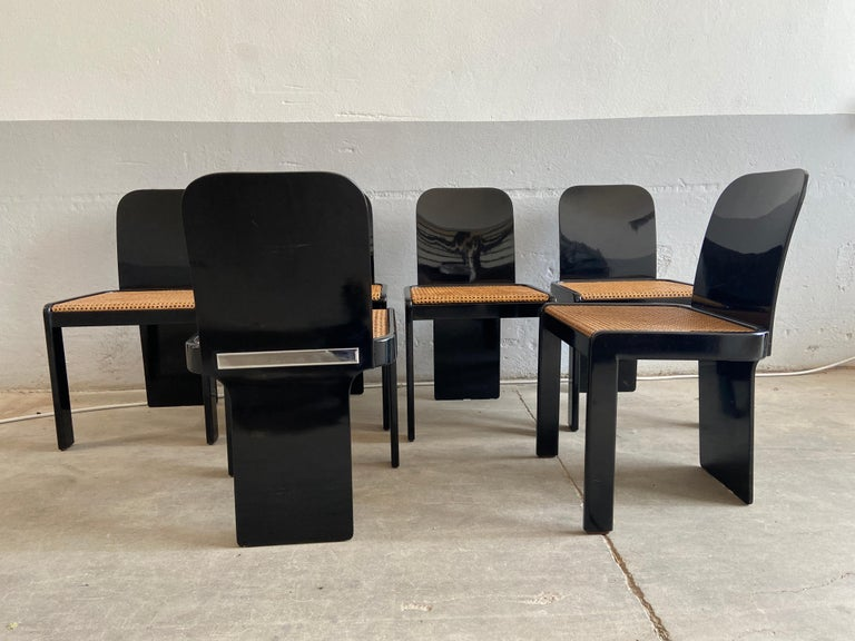 Straw Mid-Century Modern Italian Set of 6 Black Wooden Chairs by Pozzi, 1970s