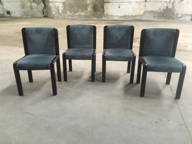 Mid-Century Modern Italian set of four dining chairs in the style of Joe Colombo with original velvet fabric. 1970s.