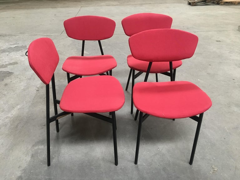 Mid-Century Modern Italian Set of Four Dining or Desk Black Iron Chairs, 1960s In Good Condition For Sale In Prato, IT