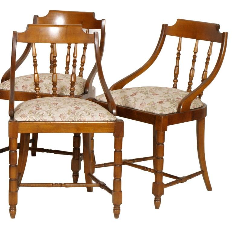 Mid-Century Modern Italian Six Gondola Dinner Chairs Walnut, Original Upholstery In Good Condition For Sale In Vigonza, Padua