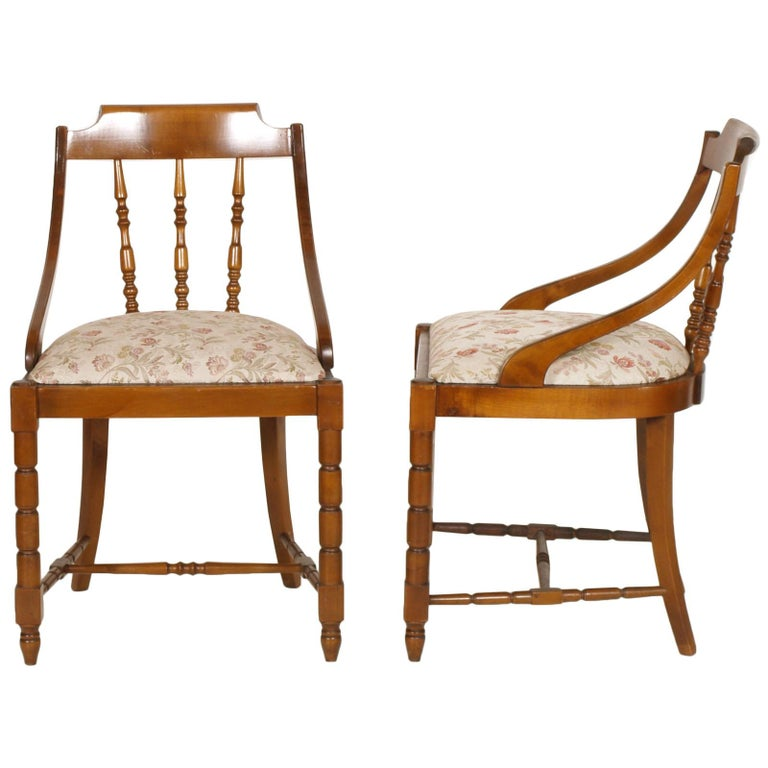 20th Century Mid-Century Modern Italian Six Gondola Dinner Chairs Walnut, Original Upholstery For Sale