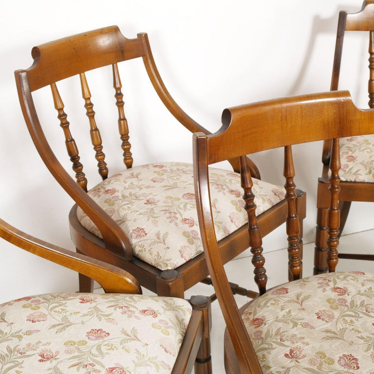 Mid-Century Modern Italian Six Gondola Dinner Chairs Walnut, Original Upholstery For Sale 3