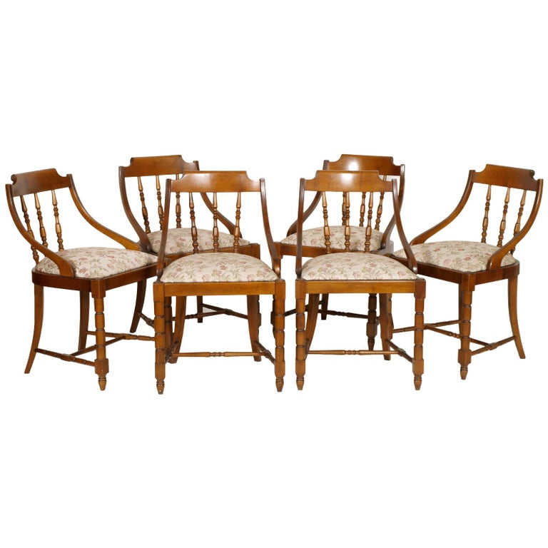 Mid-Century Modern Italian Six Gondola Dinner Chairs Walnut, Original Upholstery For Sale