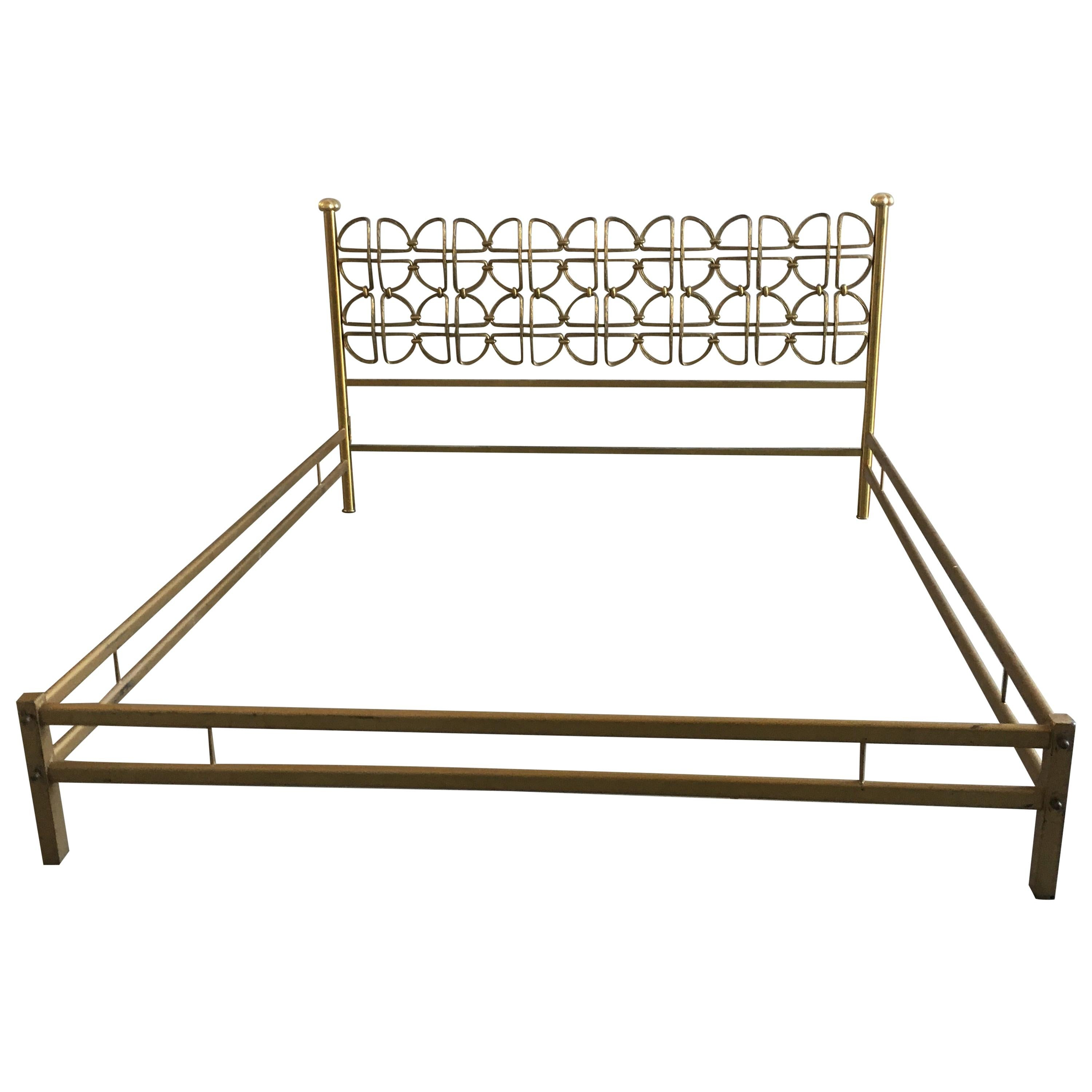 Picture of: Mid Century Modern Italian Solid Brass Queen Size Bed 1970s For Sale At 1stdibs