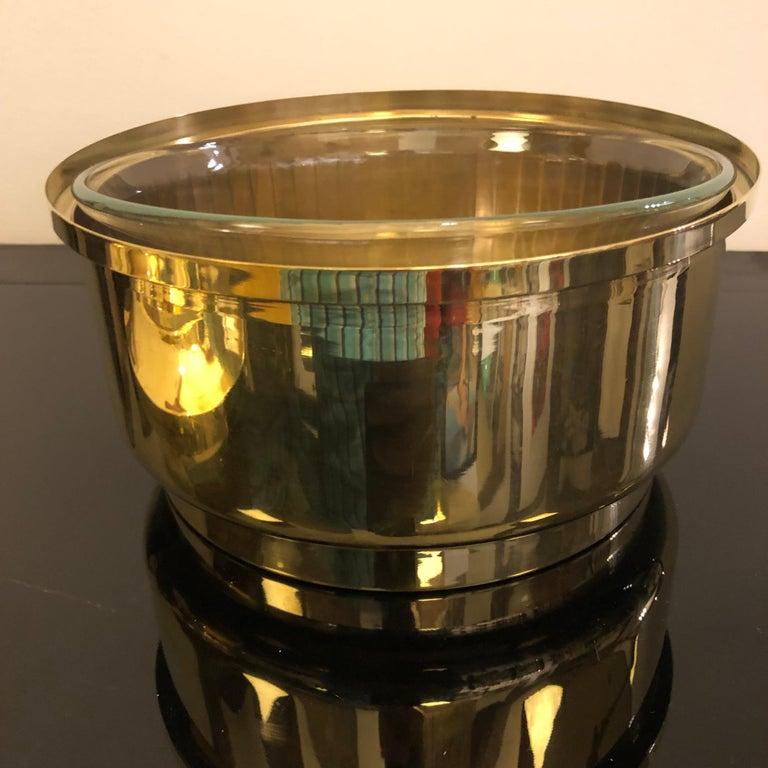 Mid-Century Modern Italian Solid Brass Round Ice Bucket, circa 1970 For Sale 2