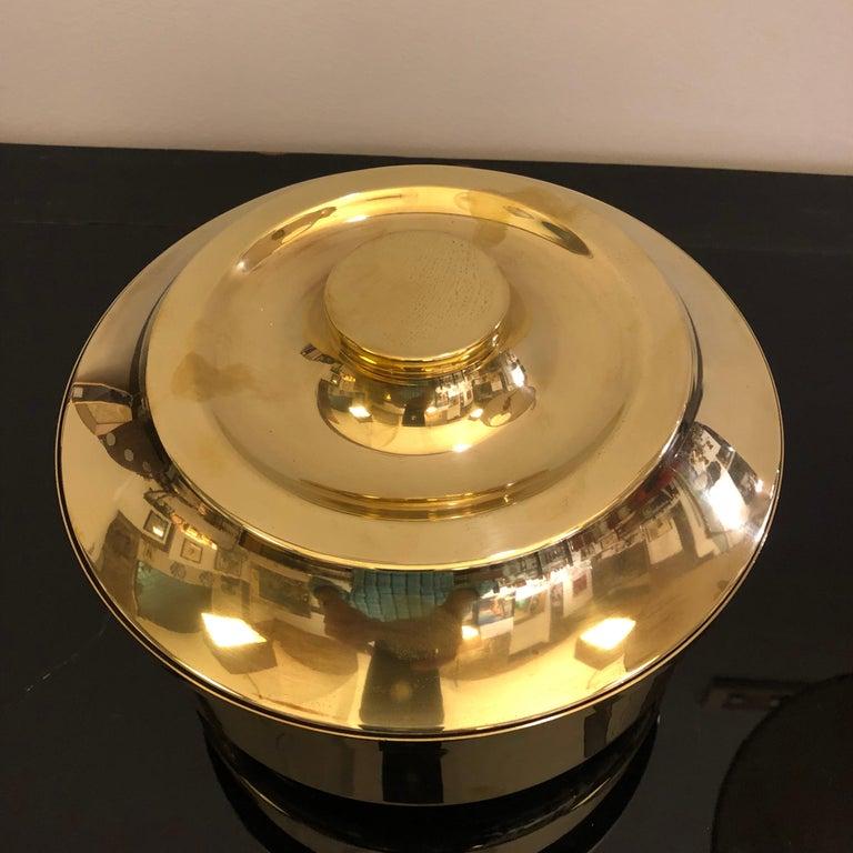 Mid-Century Modern Italian Solid Brass Round Ice Bucket, circa 1970 For Sale 4