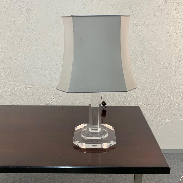 20th Century Mid-Century Modern Italian Table Lamp Lucite Plexiglass, Italy, 1970s For Sale