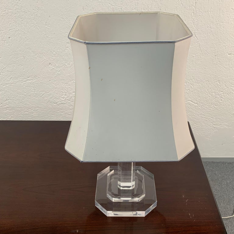 Mid-Century Modern Italian Table Lamp Lucite Plexiglass, Italy, 1970s For Sale 1