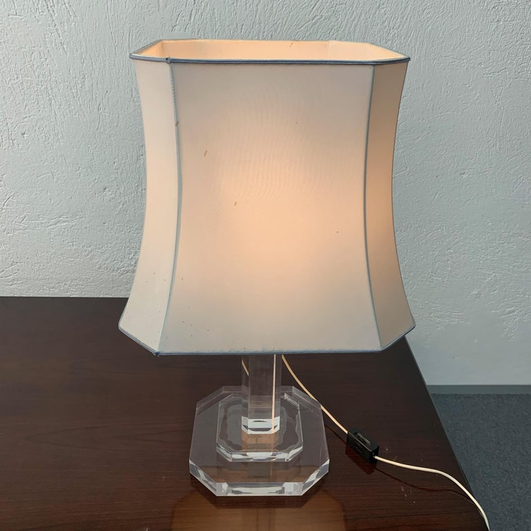 Mid-Century Modern Italian Table Lamp Lucite Plexiglass, Italy, 1970s For Sale 5
