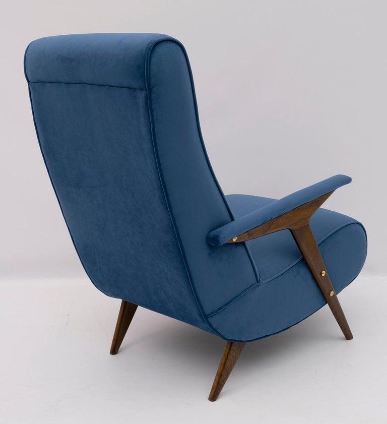 Mid-Century Modern Italian Velvet Armchair, 1950s For Sale 1