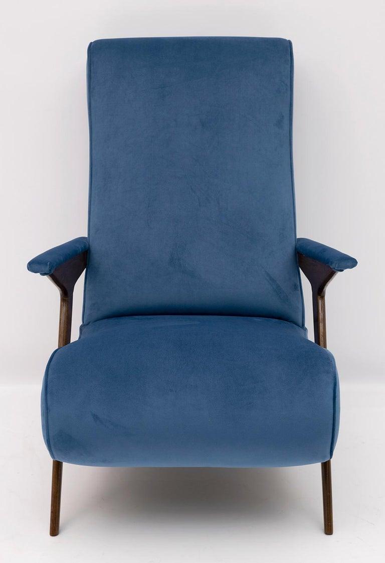 Mid-Century Modern Italian Velvet Armchair, 1950s For Sale 4
