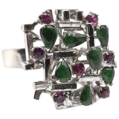 Mid-Century Modern Jade and Cabochon Cut Ruby 14 Karat White Gold Ring