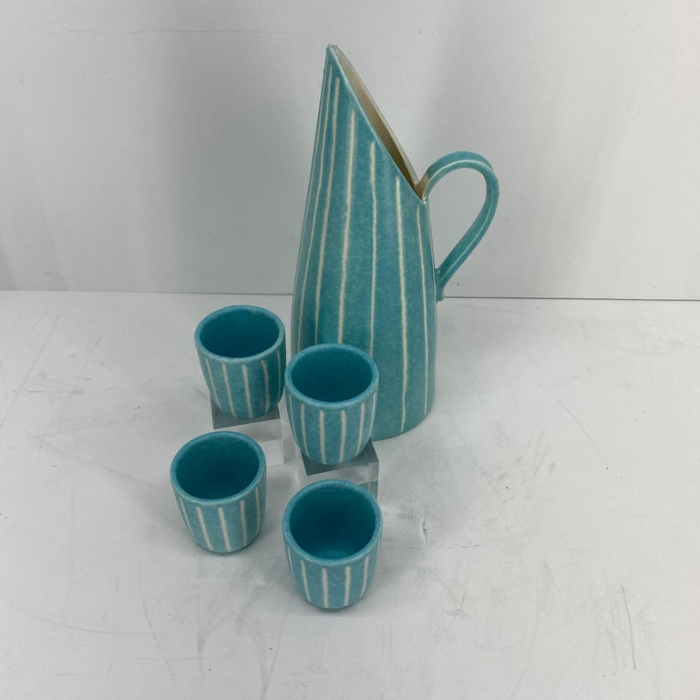 Mid-Century Modern Jaru of California Pitcher and Beaker/Cup Set In Good Condition For Sale In Haddonfield, NJ
