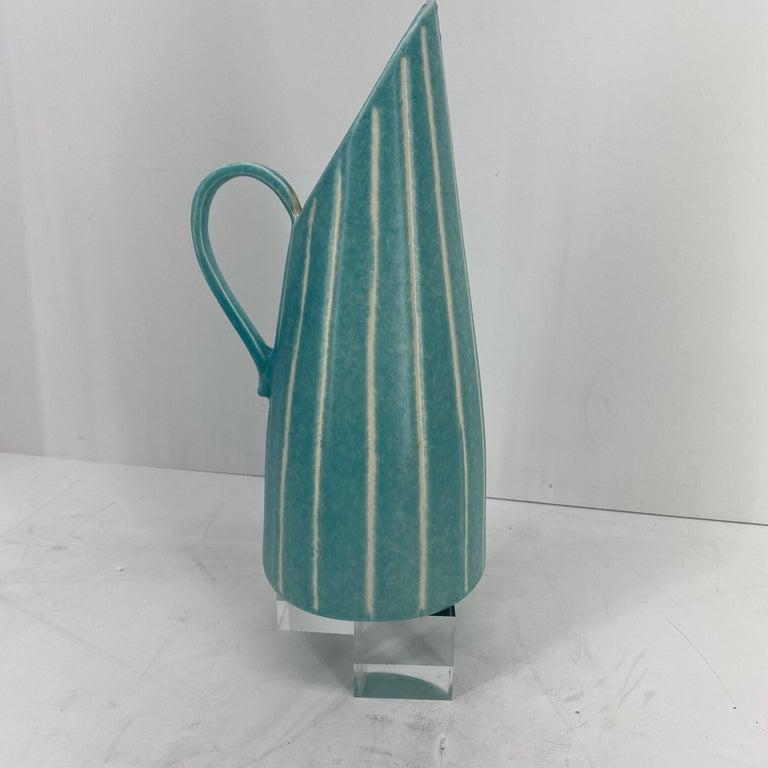 Ceramic Mid-Century Modern Jaru of California Pitcher and Beaker/Cup Set For Sale
