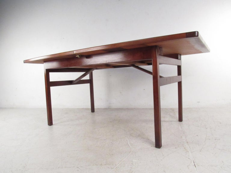 Walnut Mid-Century Modern Jens Risom Dining Table For Sale