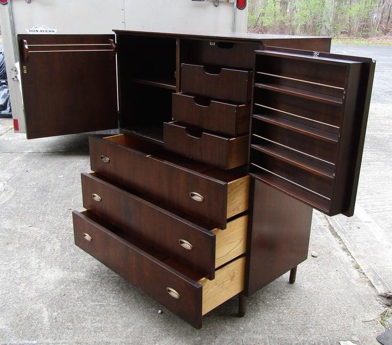 Mid-Century Modern John Stuart Cabinet For Sale 2