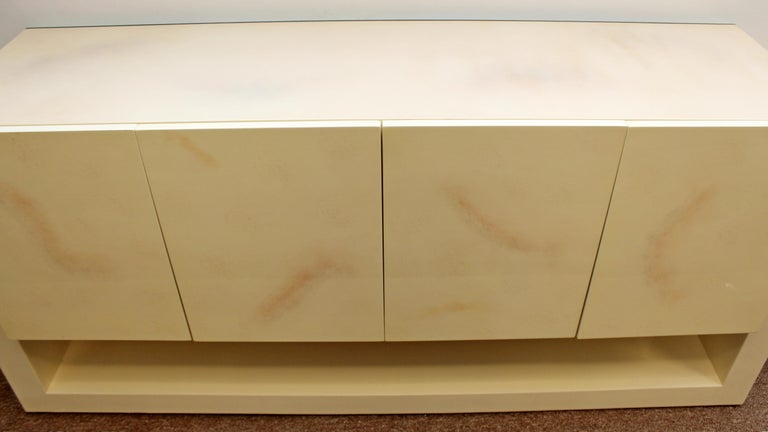 Mid-Century Modern Karl Springer Style Lucite & Lacquer Sideboard Credenza 1970s For Sale 3