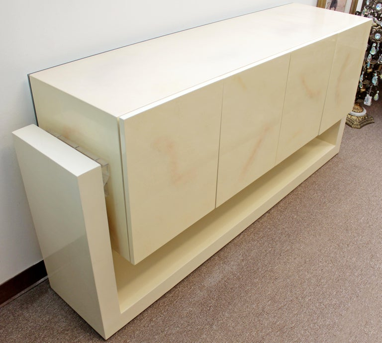 Mid-Century Modern Karl Springer Style Lucite & Lacquer Sideboard Credenza 1970s For Sale 4