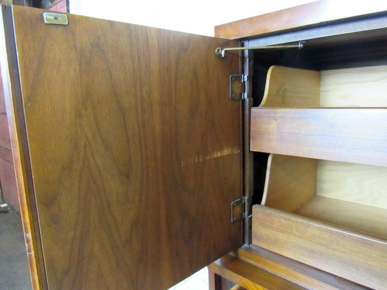 Mid-Century Modern Kent Coffey Dresser For Sale 5