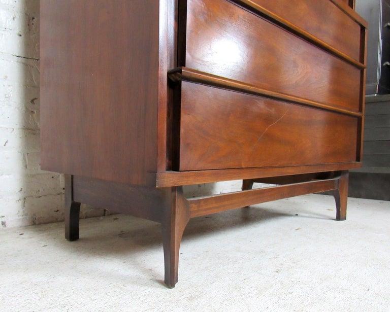 Mid-Century Modern Kent Coffey Dresser For Sale 6