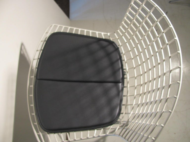 Mid-Century Modern Knoll Bertoia Wire Bar Counter Stool In Good Condition For Sale In Port Jervis, NY