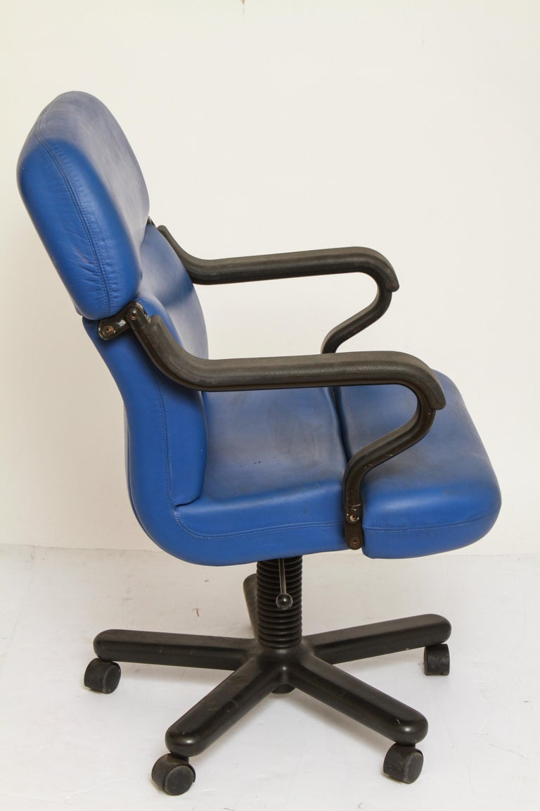 Surprising Mid Century Modern Knoll Style Executive Office Chair In Blue Dailytribune Chair Design For Home Dailytribuneorg