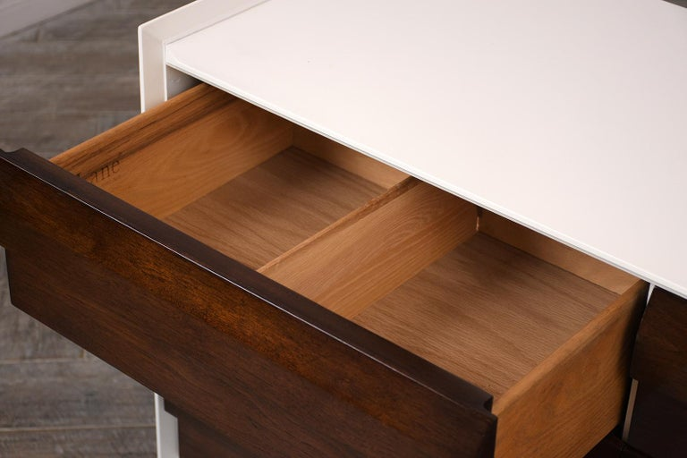 Mid-Century Modern Lacquered Chest of Drawers In Good Condition For Sale In Los Angeles, CA