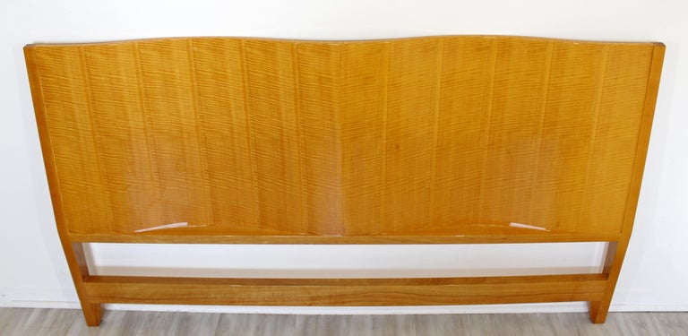 Mid-Century Modern Lacquered Maple Wavy Curved King Size Headboard, 1970s For Sale 1