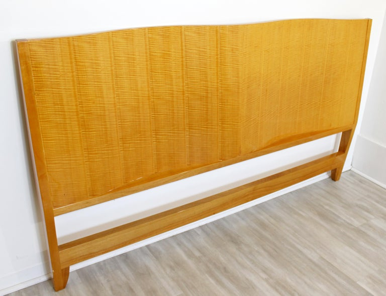 Mid-Century Modern Lacquered Maple Wavy Curved King Size Headboard, 1970s For Sale 2
