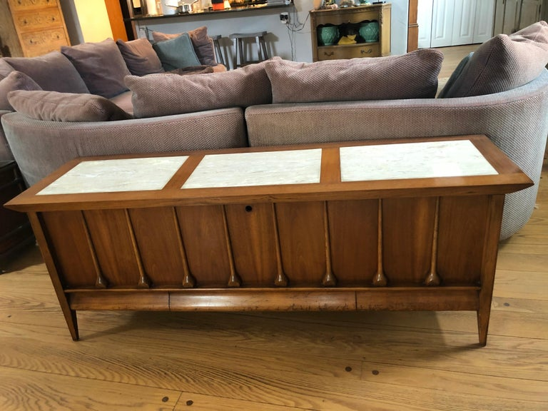 Mid-Century Modern Lane cedar chest. Amazing rare model with teardrop design on the front.