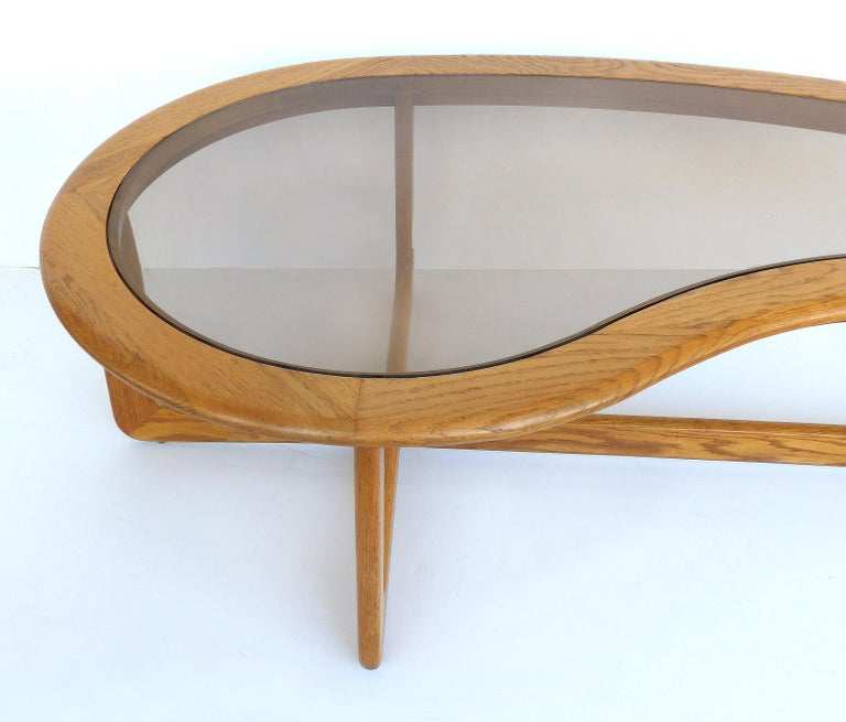 Mid-Century Modern Lane Kidney Shaped Boomerang Walnut and Glass Coffee Table In Good Condition For Sale In Miami, FL