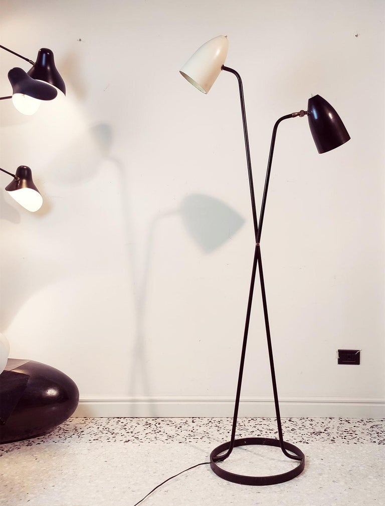 Lacquered Mid-Century Modern Large Black and White Floorlamp by Stilnovo, Milano, 1950s For Sale
