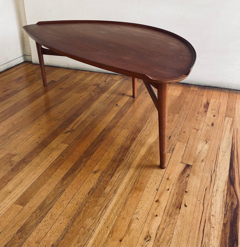 Mid-Century Modern Large Coffee Table By Finn Jhul for Baker In Good Condition For Sale In San Diego, CA