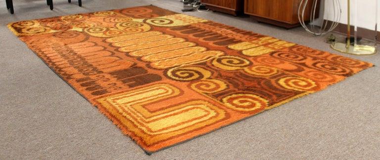 Mid-Century Modern Large Orange Rectangular Rya Wool Shag Area Rug Carpet, 1970s In Good Condition For Sale In Keego Harbor, MI