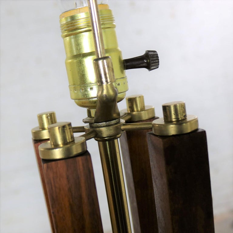 Mid-Century Modern Large Scale Walnut & Brass Lamp Attributed to Laurel Lamp Mfg For Sale 4