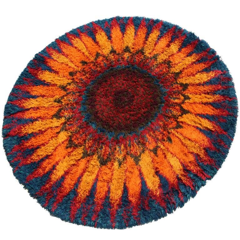 Mid-Century Modern Large Starburst Flower Circular Shag Rug Rya Style, 1970s