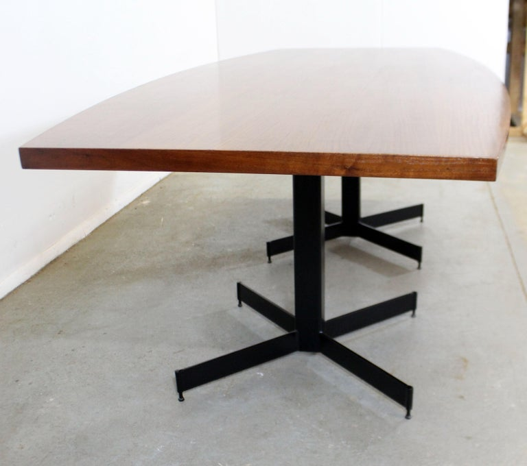 Mid-Century Modern Large Walnut Surfboard Conference/Dining Table In Good Condition For Sale In Wilmington, DE
