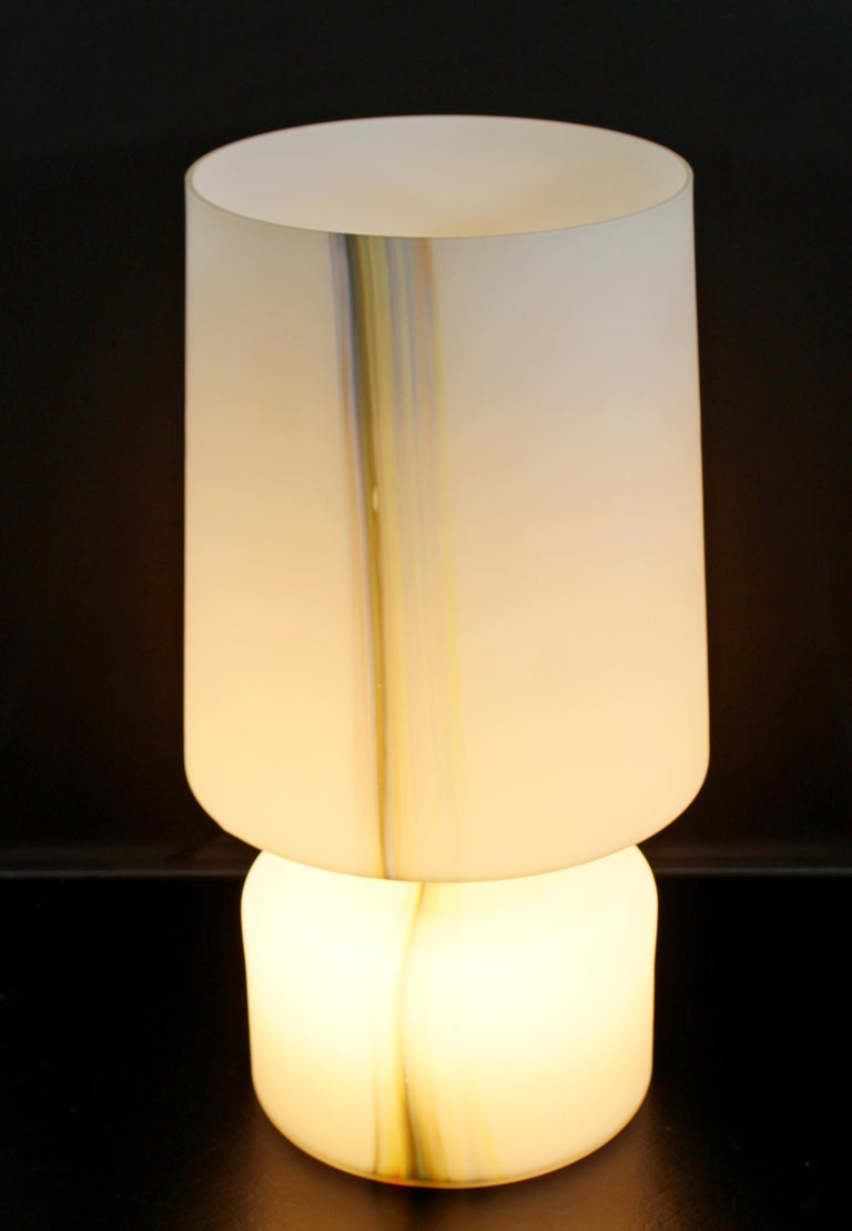 Italian Mid-Century Modern Large White Murano Glass Table Lamp, 1970s, Italy For Sale