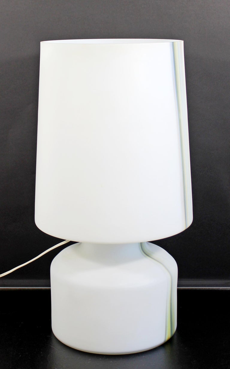 Mid-Century Modern Large White Murano Glass Table Lamp, 1970s, Italy For Sale 1