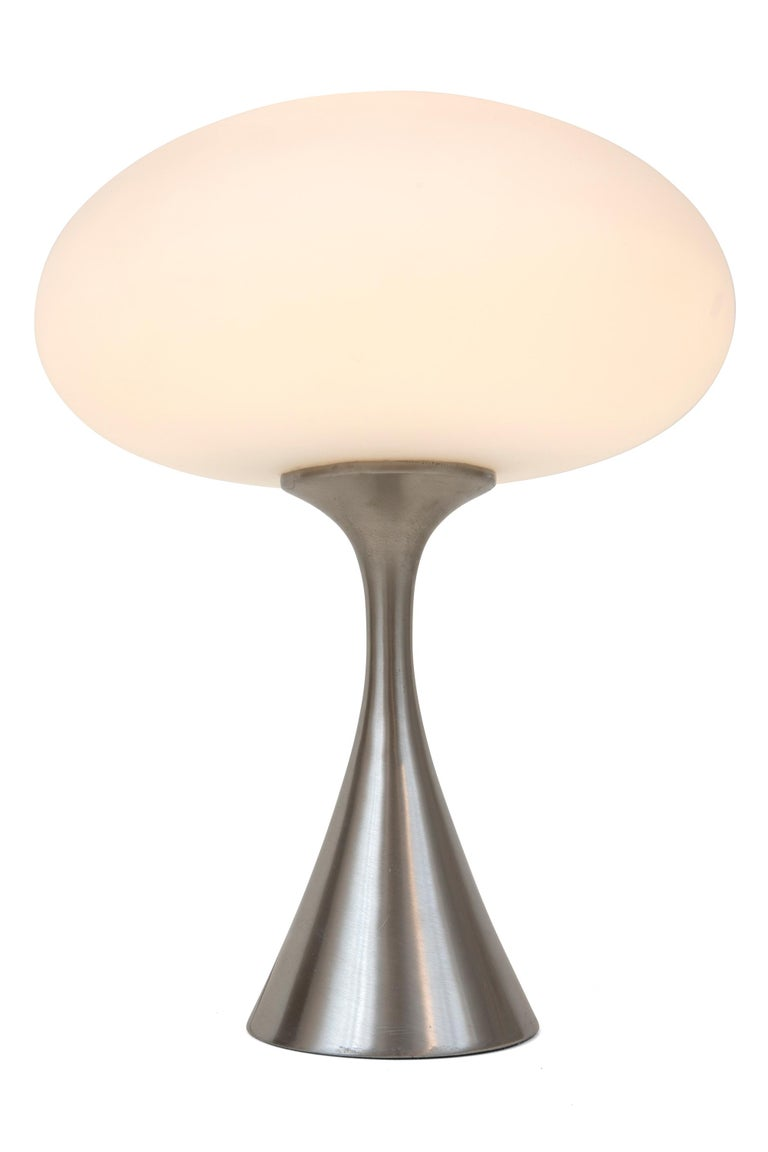 American Mid-Century Modern Laurel Mushroom Shade Table Lamp by Bill Curry, 1960s For Sale