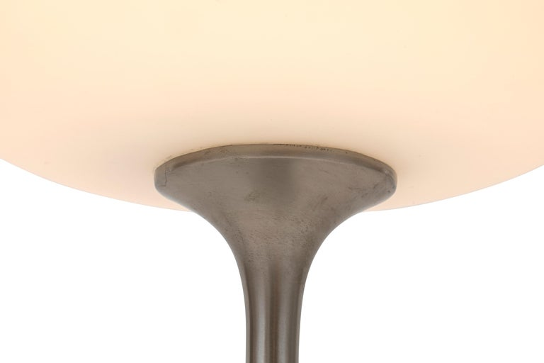 Mid-Century Modern Laurel Mushroom Shade Table Lamp by Bill Curry, 1960s In Good Condition For Sale In New York, NY