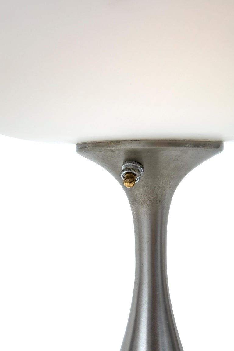 Mid-20th Century Mid-Century Modern Laurel Mushroom Shade Table Lamp by Bill Curry, 1960s For Sale