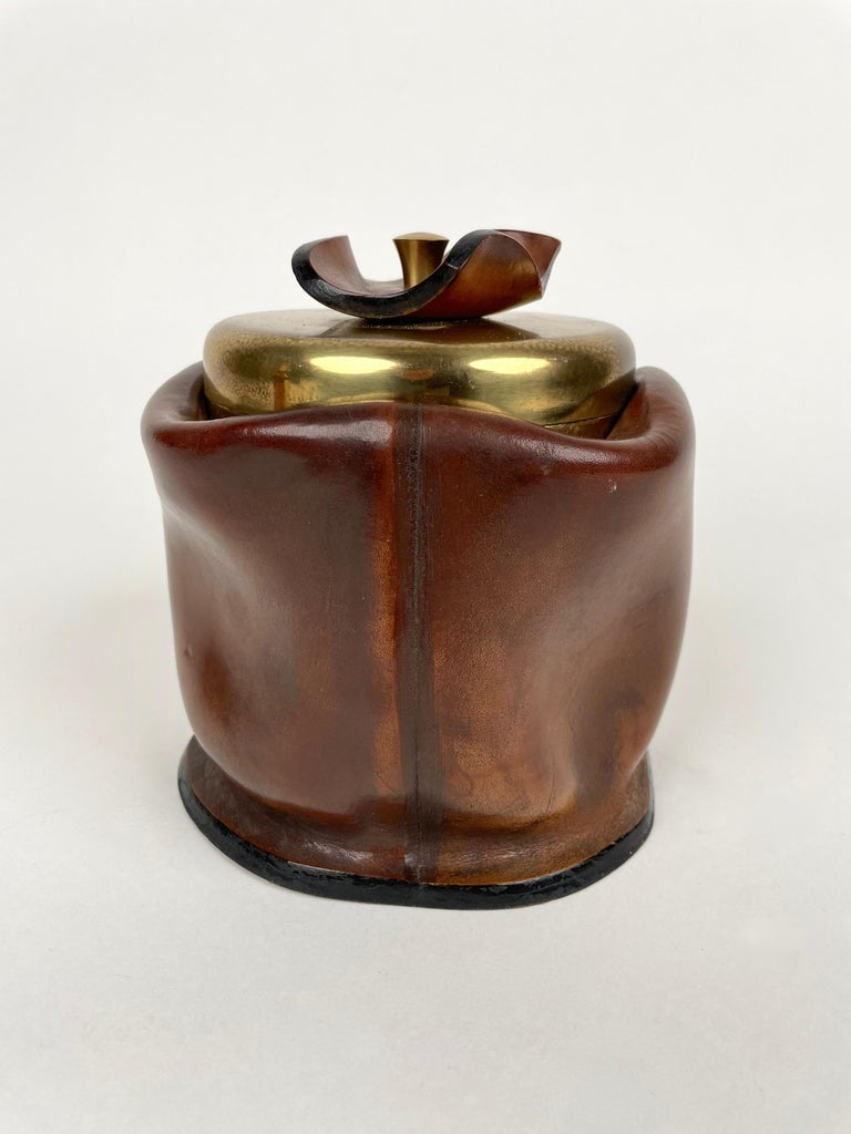 Mid-Century Modern Leather and Brass Ice Bucket, Italy, 1970s For Sale 5