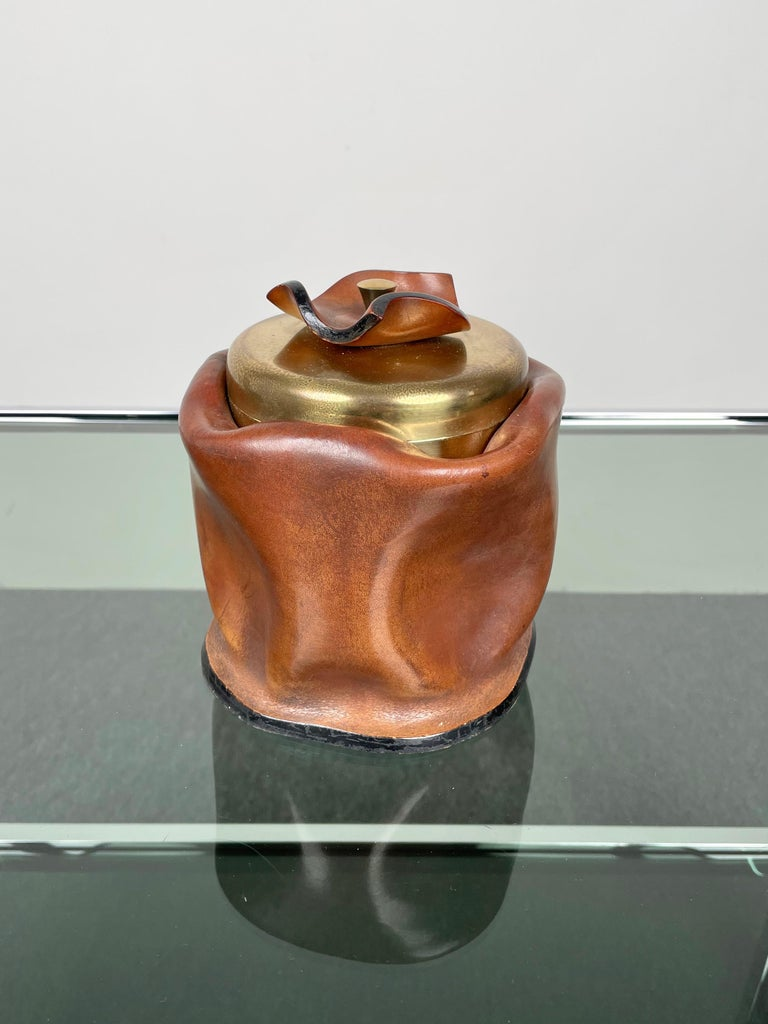 Late 20th Century Mid-Century Modern Leather and Brass Ice Bucket, Italy, 1970s For Sale
