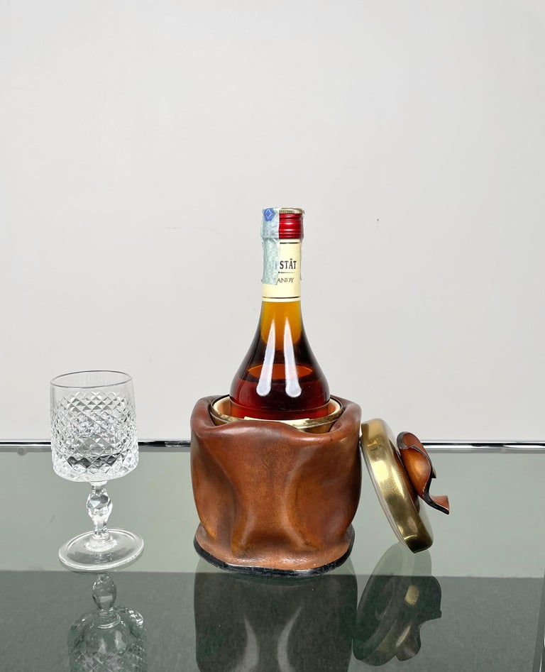 Mid-Century Modern Leather and Brass Ice Bucket, Italy, 1970s For Sale 2