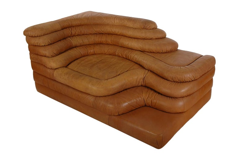 Swiss Mid-Century Modern Leather Chaise/Terazza Sofa by Ubald Klug for De Sede  For Sale