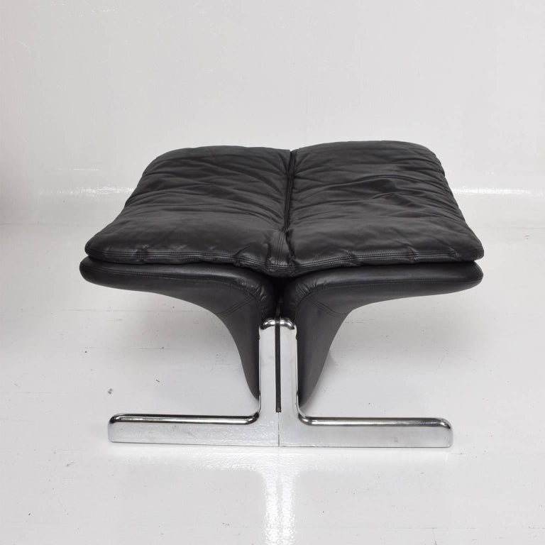 Mid-Century Modern Leather Lounge Chair and Ottoman by Ammanati & Vitelli  For Sale 6