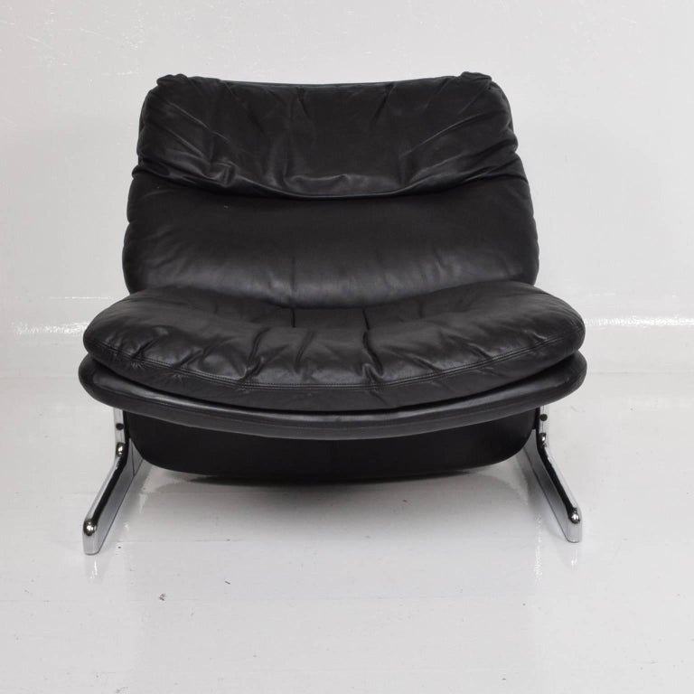 Mid-Century Modern Leather Lounge Chair and Ottoman by Ammanati & Vitelli  For Sale 3