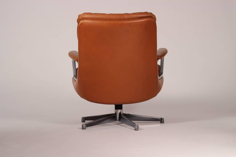 Mid-Century Modern Swivel Lounge Chair Designed by André Vandenbeuck For Sale 5